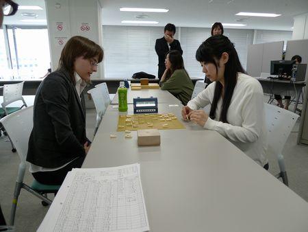 飯野さんが118手でカロリーナさんに勝利.jpg